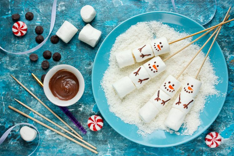 Marshmallow Snowman Edible Christmas craft ideas