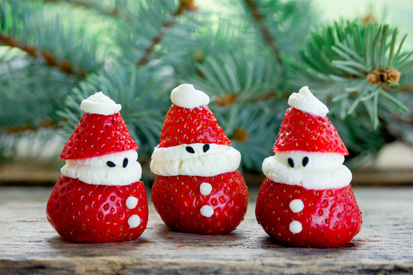 Strawberry Santas Edible Christmas craft ideas